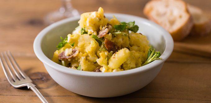 クミンの香りが食欲をそそる「クレソンとサラミ入り大人ポテトサラダ」