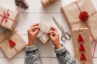 贈り物にはとっておきの包み方を。包むアイテムに合わせた一目置かれるラッピング方法