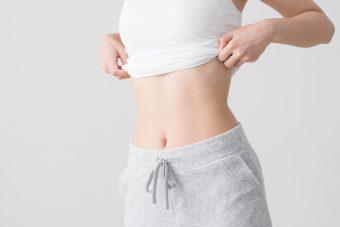 【完全版】お腹の悩みはこれで解決。引き締まったくびれをつくる体幹トレーニング<3選>