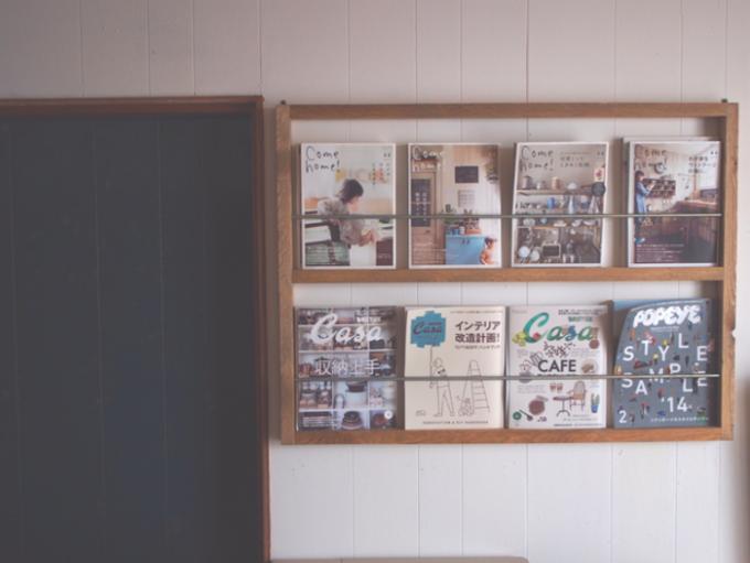 おすすめ壁面収納、「箱屋CRAFT」の手作りマガジンラック
