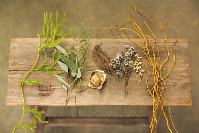 しめ飾りで使用する花材