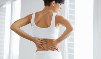 背中の引き締めと姿勢の良さにつながる「肩甲骨パタパタ」エクササイズ