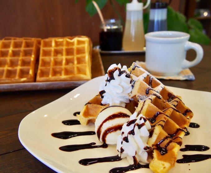 美味しい料理とスイーツ・ドリンクも楽しめる「cafe Schuhe」