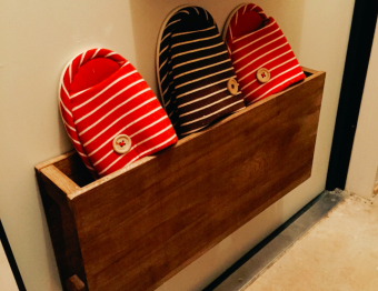 狭い玄関をスッキリ使う。「Hanaharu」のくっつく収納アイテム