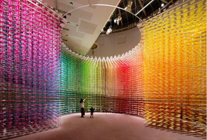 1000色の糸が作り出す幻想的な世界