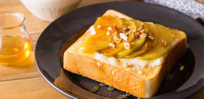 「りんごとカラメルトースト」の写真