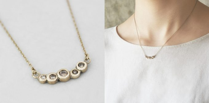 『朝露』と名付けられたネックレスの写真