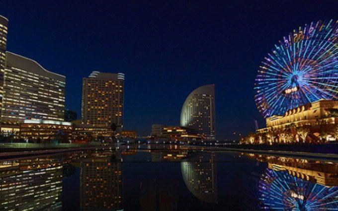 「ル・クラン・ブルー」から見た、横浜の夜景の写真