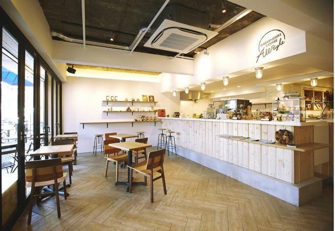 「かもめブックス」に併設されているカフェの写真