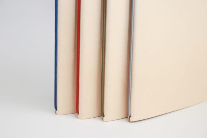 4色のゴムの色から選べる「裏紙ノート」