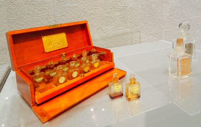 ルネ・ラリックの香水テスターケース《コティの香水》コティ社 ルネ・ラリックガラスプレート付き