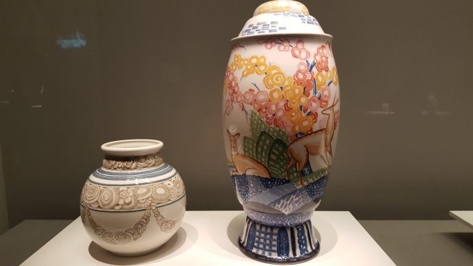日本文化の影響を感じさせる「オベールの壺 No.18」と「ラパンの壺 No.12」
