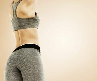 体幹を鍛えて、すらりとした姿勢美人に。体幹トレーニング「ダイアゴナルプランク」