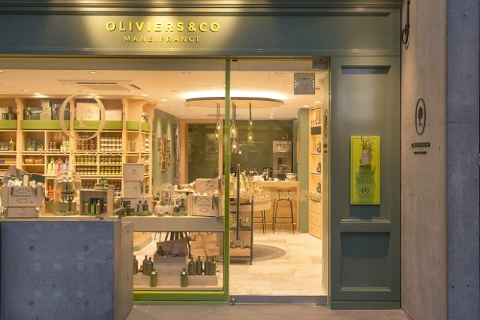 オリーブオイル専門店「OLIVIERS&CO GINZA(ギンザ)」の外観