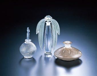 幻想的な香りの世界へ。アール・デコの装いを彩った、ルネ・ラリックの魅力に迫る展覧会