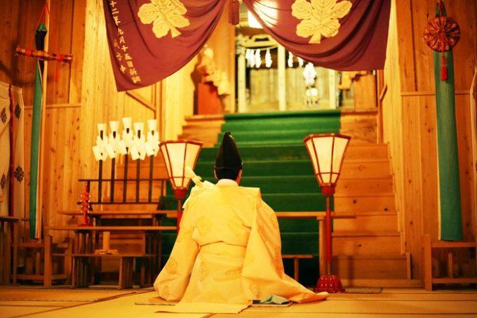 切久保諏訪神社での祝詞奏上の様子