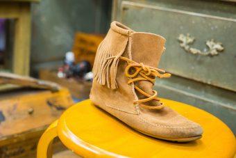 5分でOK。シューケアのプロに伺ったスウェード靴のお手入れ術