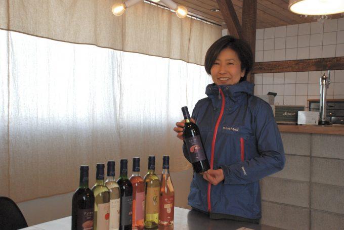 「BookRoad」のワインを手掛ける須合美智子さん