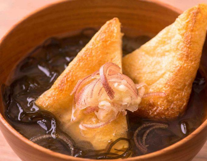 揚げとモズクのお味噌汁2
