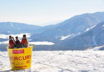 白馬岩岳に天空のバーが登場。雪×パノラマ絶景×ビールで日常から抜け出そう