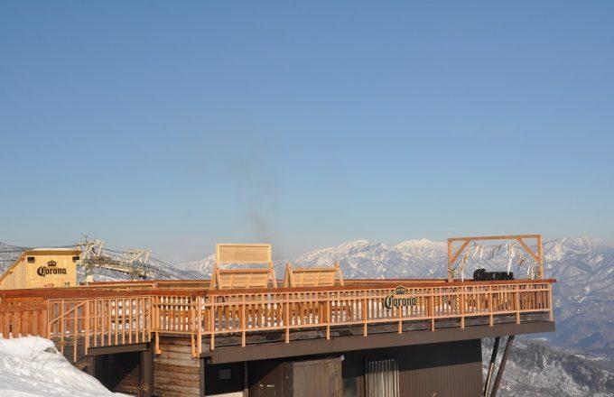 白馬八方尾根スキー場「うさぎ平テラス」の期間限定ポップアップバー「CORONA ESCAPE TERRACE」