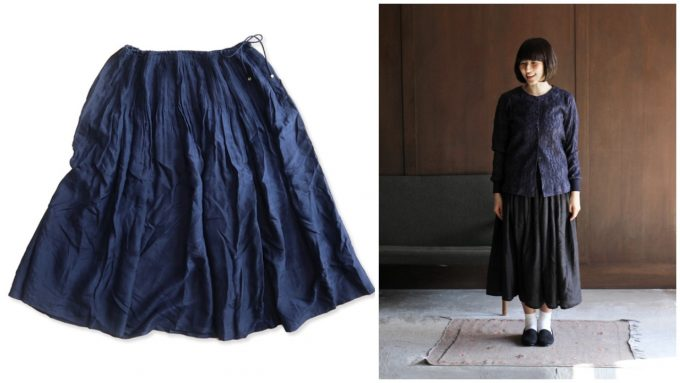 エスニックな雰囲気のスカート