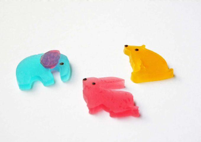 笹塚にある「シャララ舎」のウサギやクマ、ゾウの形の琥珀糖