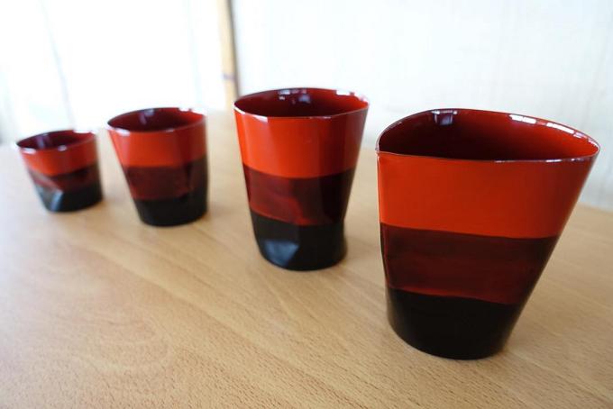 赤のグラデーションが特徴的な漆器3サイズ