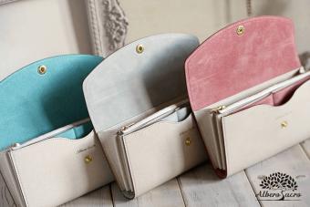 春はお財布の買い替え時。おすすめは収納たっぷりな「Albero Sacro」の春色財布