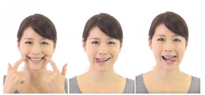 たるみやほうれい線の予防にもつながる顔ヨガ「口角アップの手順