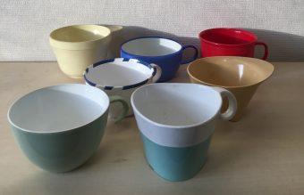 約150個のコップが勢揃い!デザインの歴史も感じられる「Airplane Cups」展