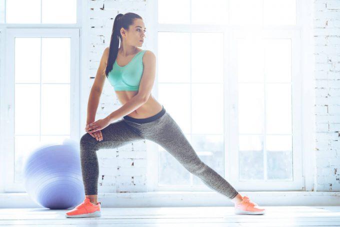 腰痛の人におすすめ、股関節と足首を柔らかくするストレッチ