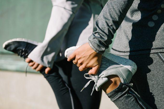筋肉の緊張をほぐす運動前後ストレッチ