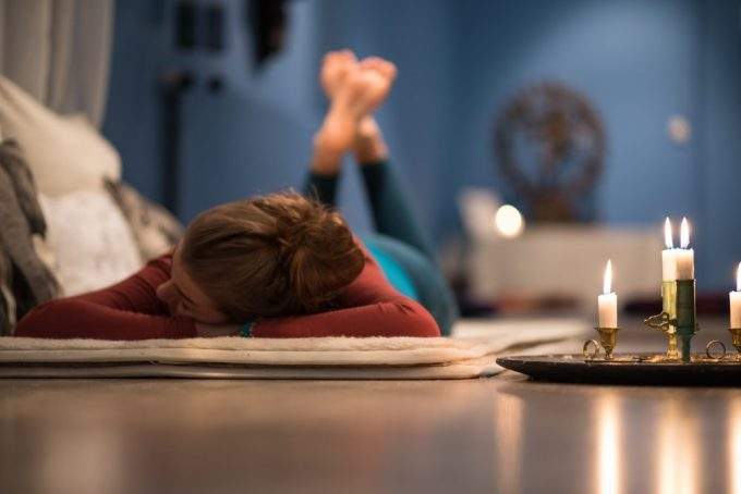睡眠の質を上げる就寝前のストレッチ
