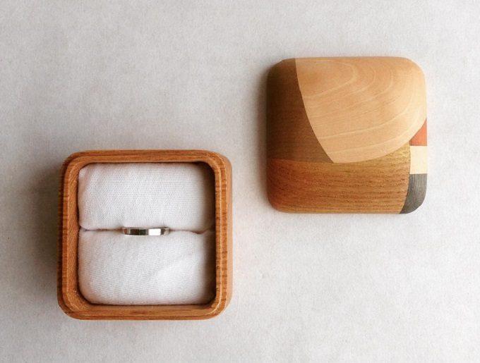 木の雑貨などを制作しているフジタマリのリングケース