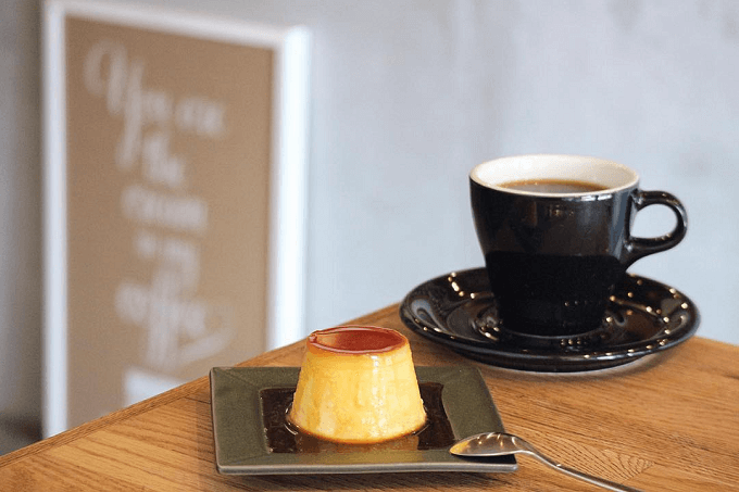 武蔵境のおすすめカフェNORIZ COFFEEの手作りプリンと自家焙煎のコーヒー豆で淹れたコーヒー