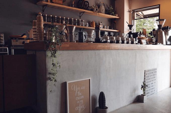 スペシャリティコーヒーと手作りスイーツがおすすめの武蔵境のカフェNORIZ COFFEEの店内