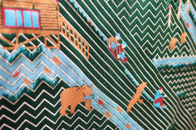 テキスタイルブランド「YURI HIMURO」のヒノキの森や川がイメージされたテキスタイル