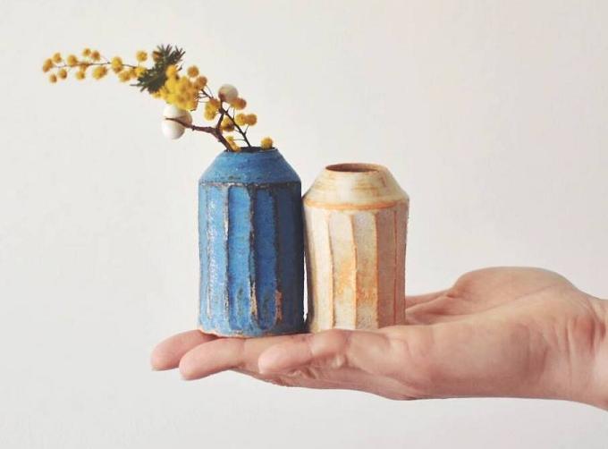 小川 綾(おがわ あや)さんが作る、小さな花器