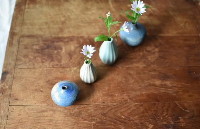 ayaogawaの花器が並んだ様子