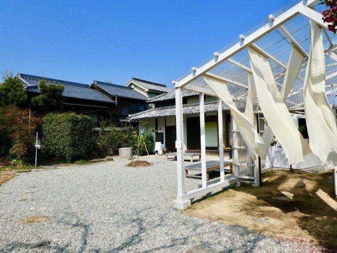 香川県豊島の「檸檬ホテル」外観写真