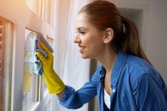春掃除で運気アップ!プロに教わる玄関・トイレ・窓のカンタンお掃除&キープするコツ