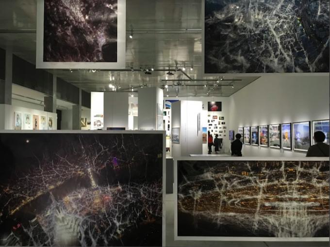 企画展『写真都市展 −ウィリアム・クラインと22世紀を生きる写真家たち−』の様子3