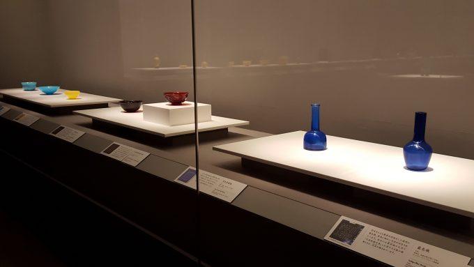 「ガレも愛した-清朝皇帝のガラス」の展示の様子2