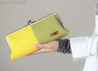 色のコントラストを楽しもう。帆布と合皮の組み合わせがポイントの「BLAST」のがま口財布