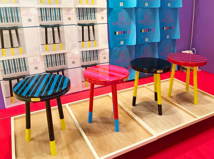 ORIEL furnitureのおしゃれなサイドテーブルの陳列イメージ