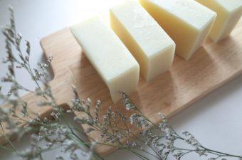 石鹸作りに挑戦してみない?肌に優しいナチュラルな素材を使った手作り石鹸のレシピ