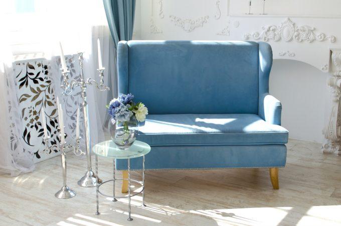 失敗しないソファの選び方、カーテンの色とソファの色を合わせた例
