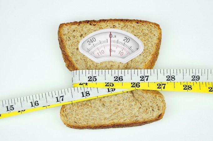 体重計のような食パン