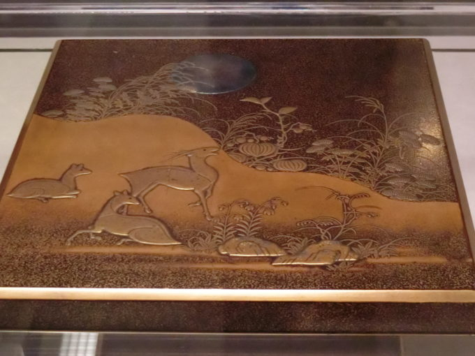 「はじめての古美術鑑賞 ー漆の装飾と技法ー」重要文化財《春日山蒔絵硯箱》